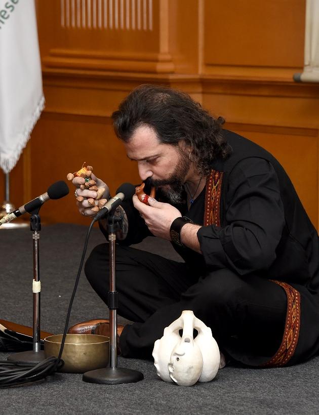 Martin Loyato Performance